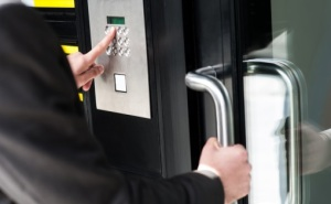 King Door and Lock Commercial Lock services